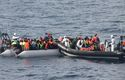 50 people found dead in a boat with migrants in the coast of Libya