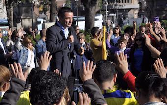 Around 500 evangelicals pray for Ecuador in Barcelona