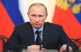 Putin signs the law that bans evangelism