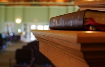 Bible-centered, conservative churches grow faster than liberal churches, study says