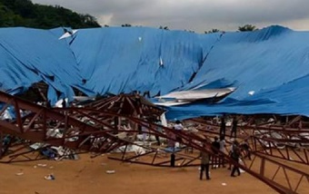 Nigeria: dozens die as church roof collapses