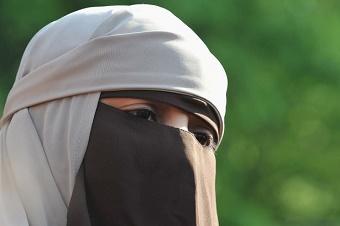 Islamic full face veil banned in Austria