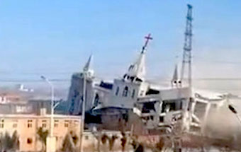Chinese authorities demolish an evangelical church
