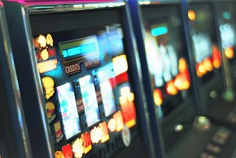 British churches criticise delays in clampdown on gambling machines
