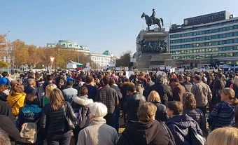 "Rallies in Bulgaria: ""New bill on religion brings us back to Communism!"""