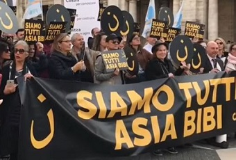 """Christians in Rome: """"We are all Asia Bibi"""""""