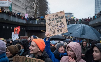 Students lead environment demonstrations in Brussels
