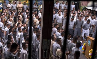 Gospel unites 1,600 former criminals in El Salvador's 'miracle prison'