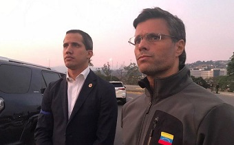 Guaidó frees opposition leader and calls army to oust Maduro