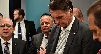 Evangelical parliamentarians distance themselves from Bolsonaro