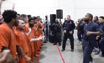 Kanye West sings to Jesus with inmates