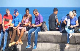 Traditional public Bible reading threatened in Cuba