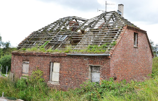 house, ruines