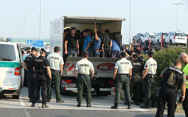 slovakia, migration, muslims, police