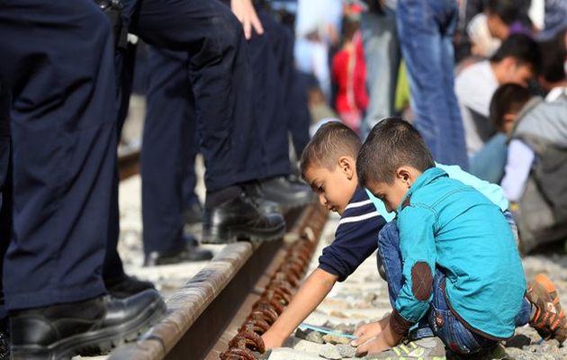chlidren, serbia, refugees, europol
