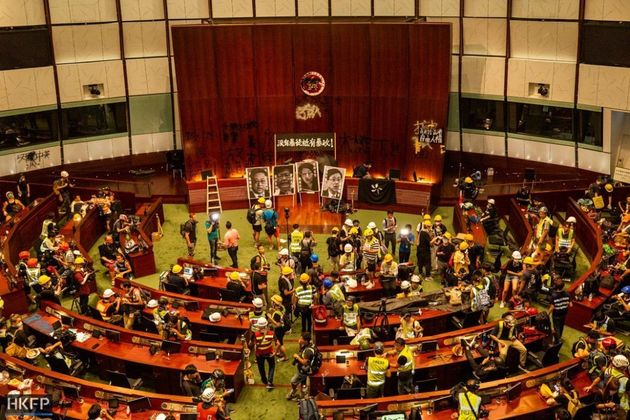 """Hong Kong Christian leaders call to """"return to the path of peaceful"""